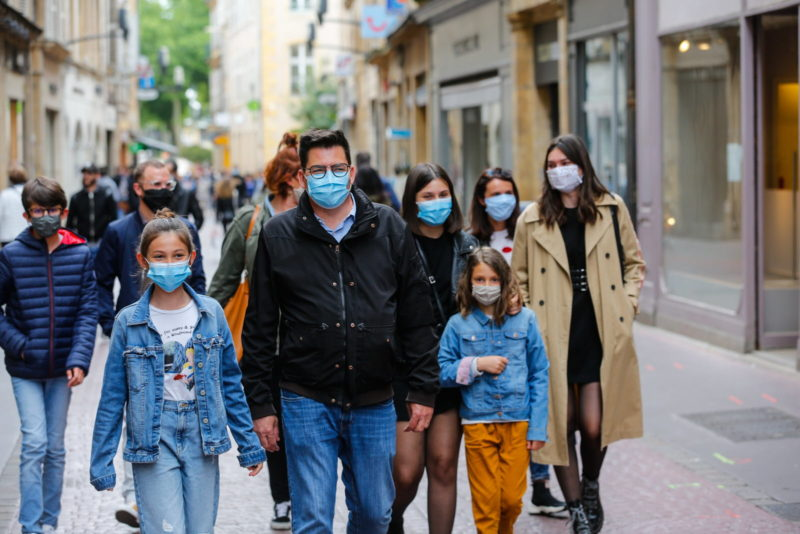 masque-rue-metz